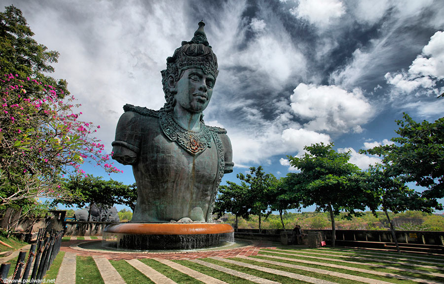 bali statue by Birmingham travel photographer Paul Ward