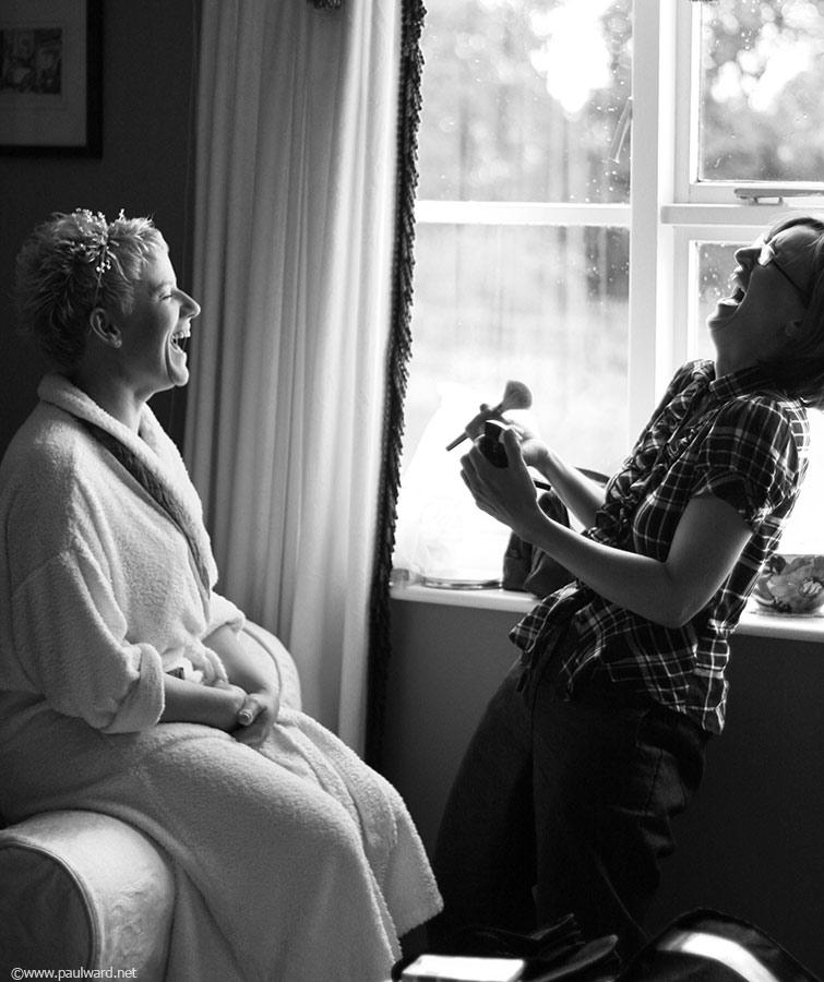 moment candid wedding photography by Birmingham photographer Paul Ward