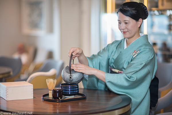 tea ceremony on Queen Mary 2 by Birmingham travel photographer Paul Ward