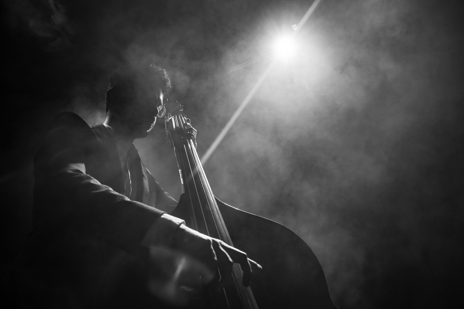 Double bass player by portrait photographer Paul Ward